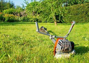 5 Vorteile einer Motorsense gegenüber einem Rasenmäher